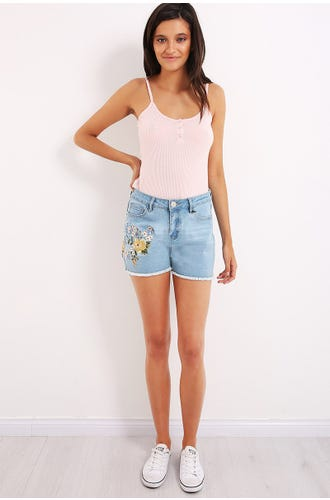 FLORAL EMBROIDEY DENIM SHORT