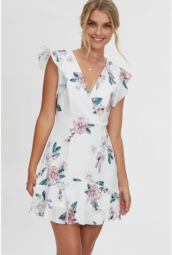 FLORAL PRINT LACE TRIM FLUTTER SLEEVE SKATER DRESS