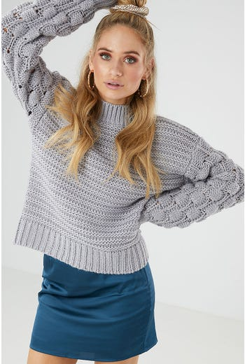 BOBBLE SLEEVE KNIT