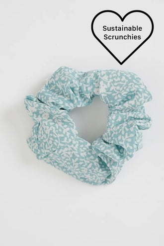 NYLA ROSE SUSTAINABLE SCRUNCHIE FLORAL PRT