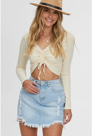 RIBBED RUCHE FRONT CROP TOP