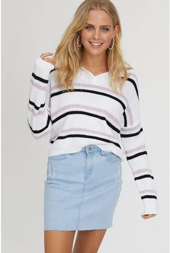 V NECK KNIT TOP
